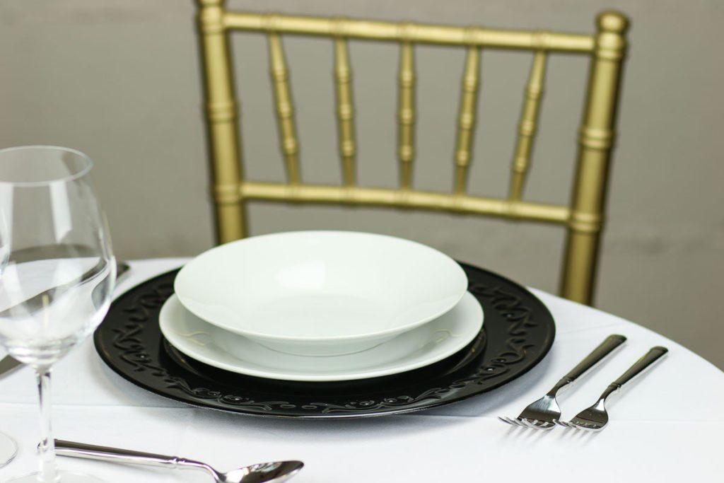 embossed-design-charger-plate-black-set