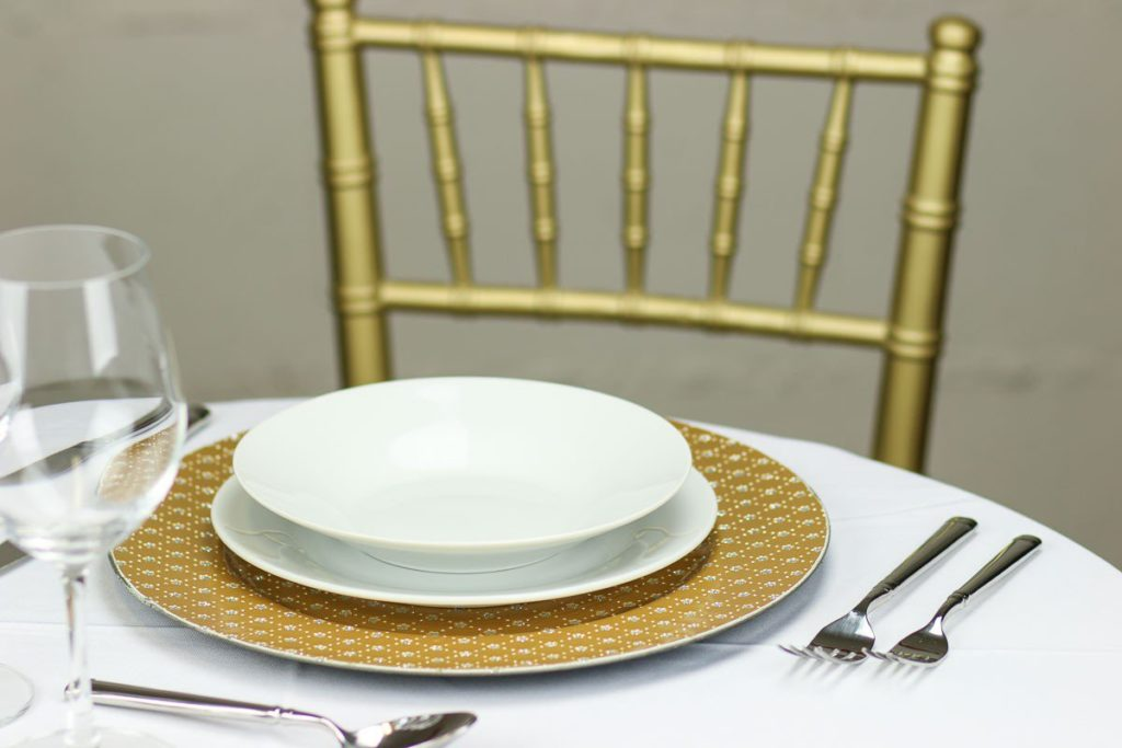 glitter-plaid-charger-plate-gold-set_1