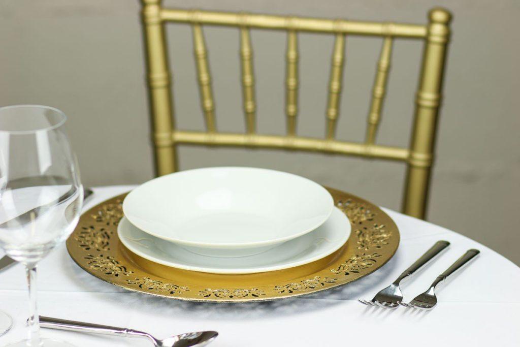 laser-cut-lace-charger-plate-gold-set_1